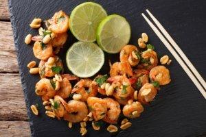 Erdnuss Shrimps mit Reis