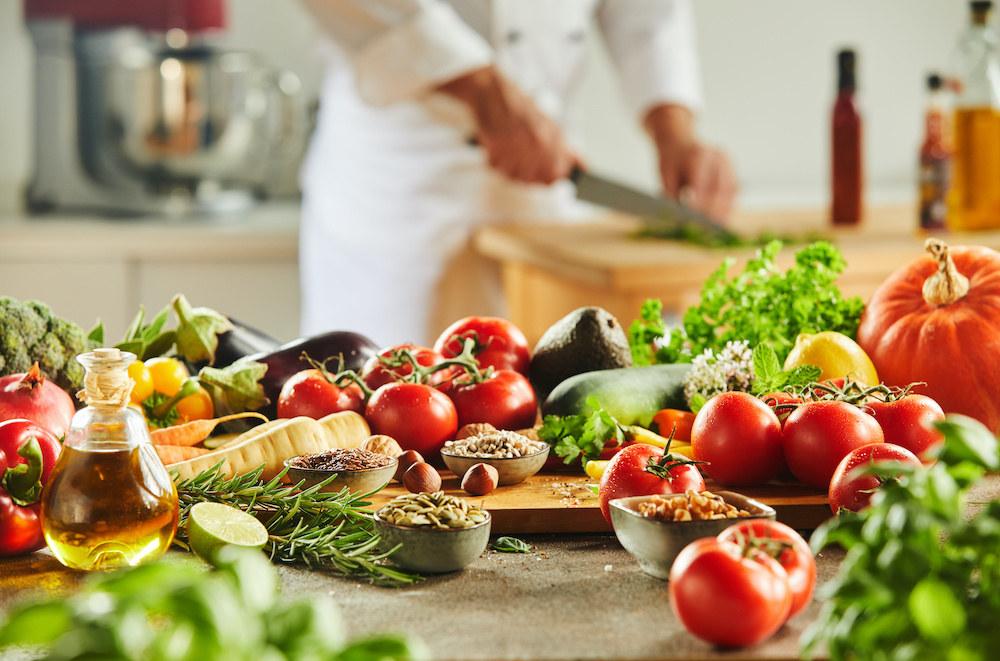Ernährungsplan Abnehmen - individuell auf dich und deine Ziele abgestimmt - Gesund abnehmen ohne zu Hungern - Ernährungspläne erstellen auf www.nattygainscoaching.com