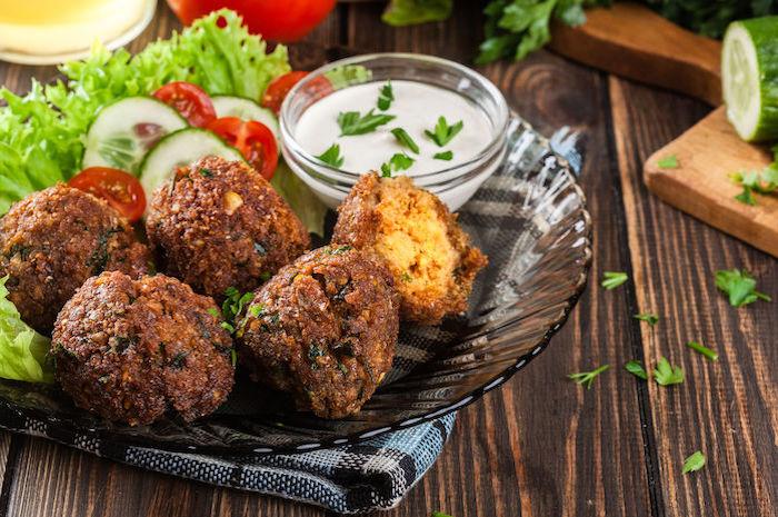 Paleo Ernährung - Paleo Falafel - Ernährungsplan individuell erstellt auf www.nattygainscoaching.com