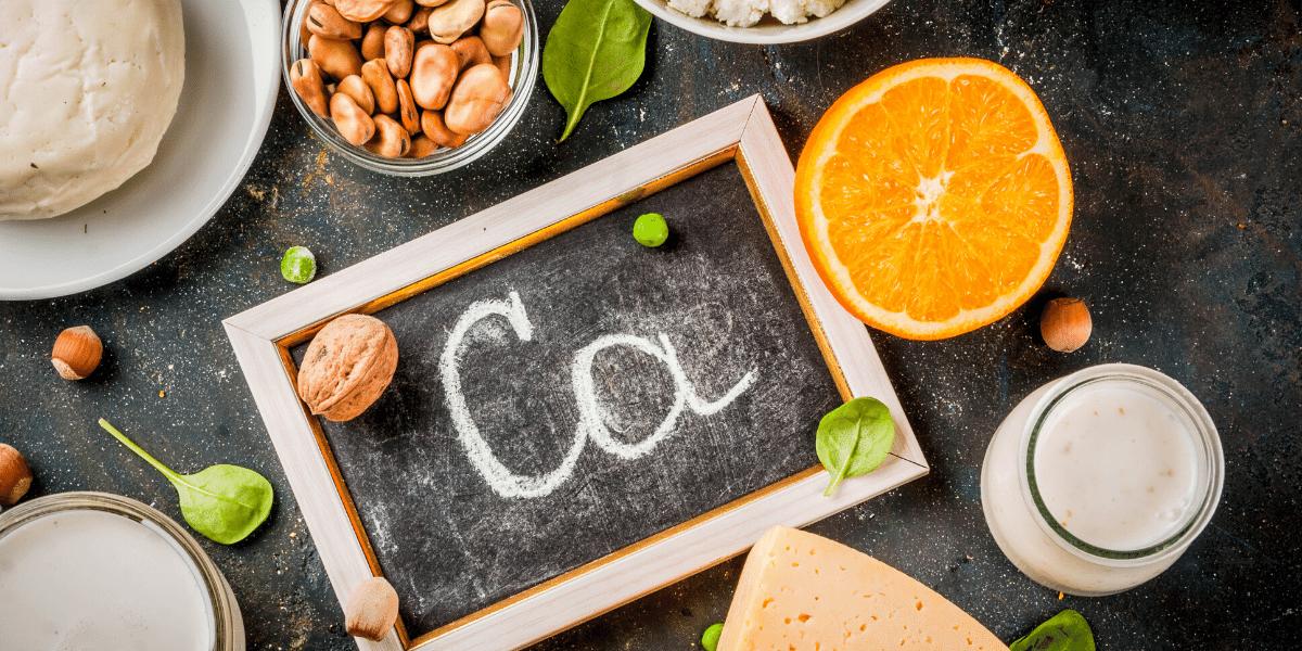 Mineralstoff Kalzium - wichtig für Knochen und Zähne - Mikronährstoff, der in Milchprodukten vorkommt