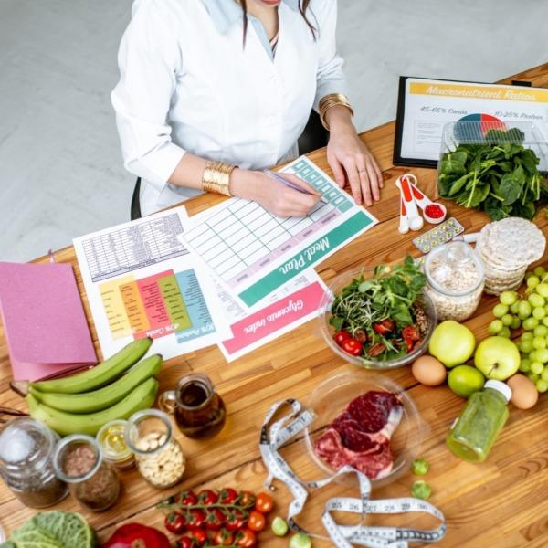 Ernährungs-App zur Online Ernährungsberatung mit der Software von Natty Gains - Ernährungspläne zum Abnehmen, Muskelaufbau, Clean Eating, Performance steigern-5